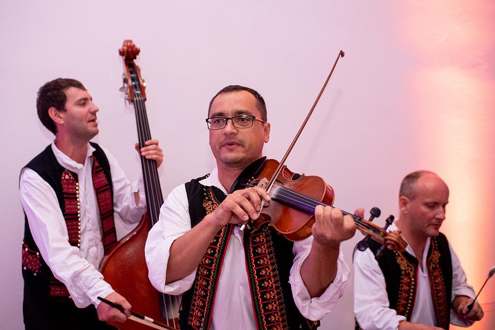 Svadba Eva a Tomáš - hrad Červený kameň - Obrázok č. 30