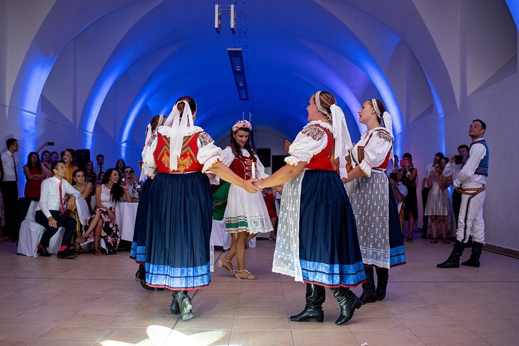 Svadba Eva a Tomáš - hrad Červený kameň - Obrázok č. 35