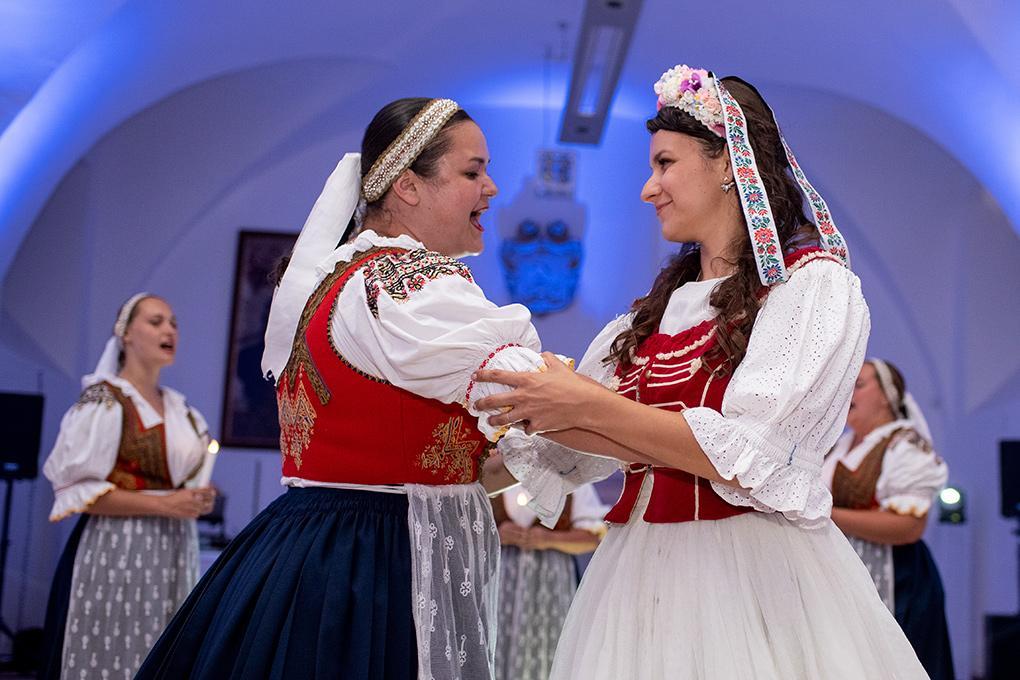Svadba Eva a Tomáš - hrad Červený kameň - Obrázok č. 36