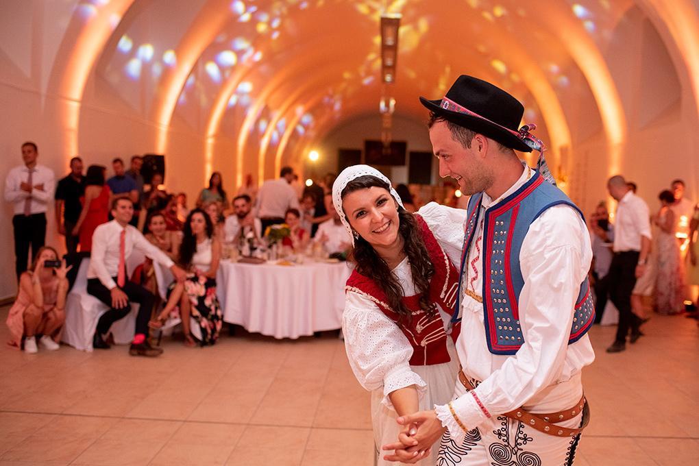 Svadba Eva a Tomáš - hrad Červený kameň - Obrázok č. 40