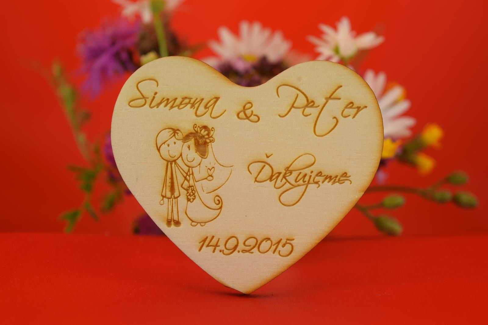 Drevená magnetka  darček pre svadobných hosti 31 - Obrázok č. 1