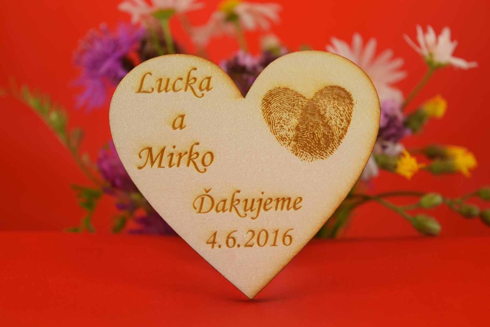 Drevená magnetka ako darček svadobčanom 34 - Obrázok č. 1