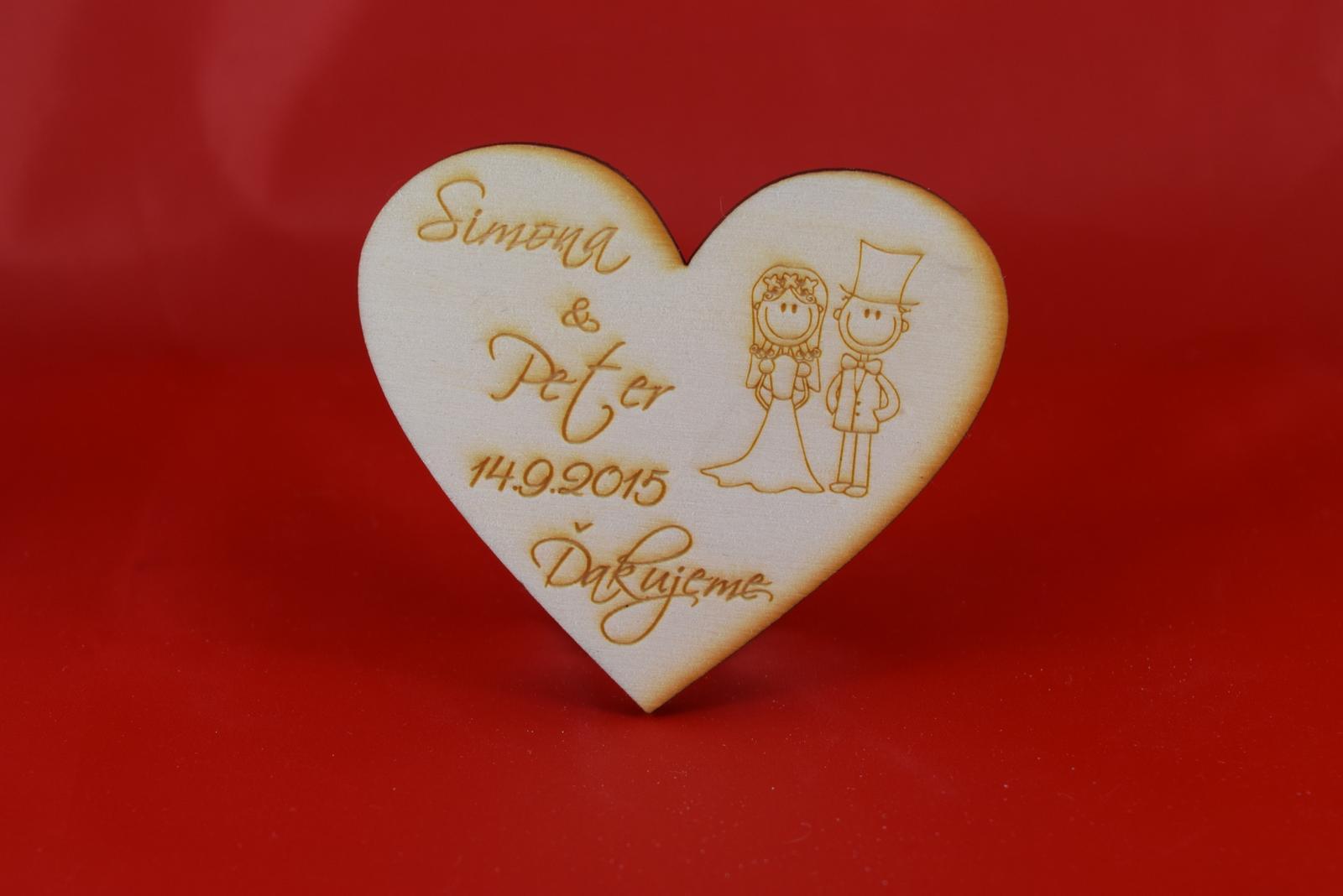 Drevená magnetka ako darček pre svadobčanov 18 - Obrázok č. 1
