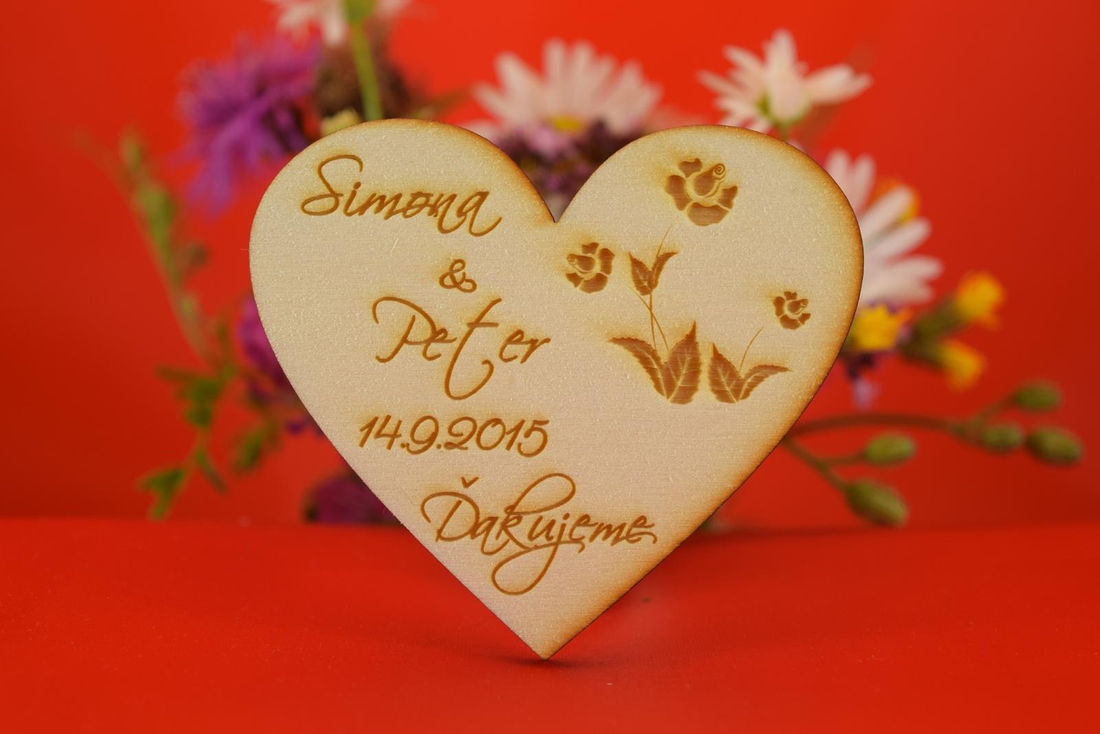 Drevená svadobná magnetka ako darček pre hosti 23 - Obrázok č. 1