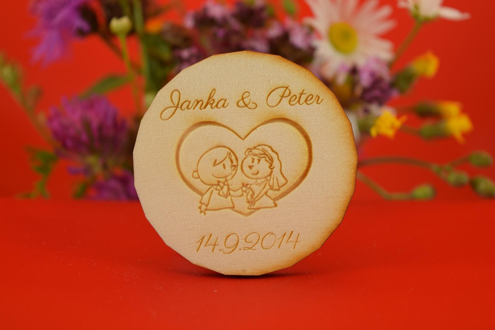 Drevená svadobné magnetka ako darček pre hosti 3 - Obrázok č. 1