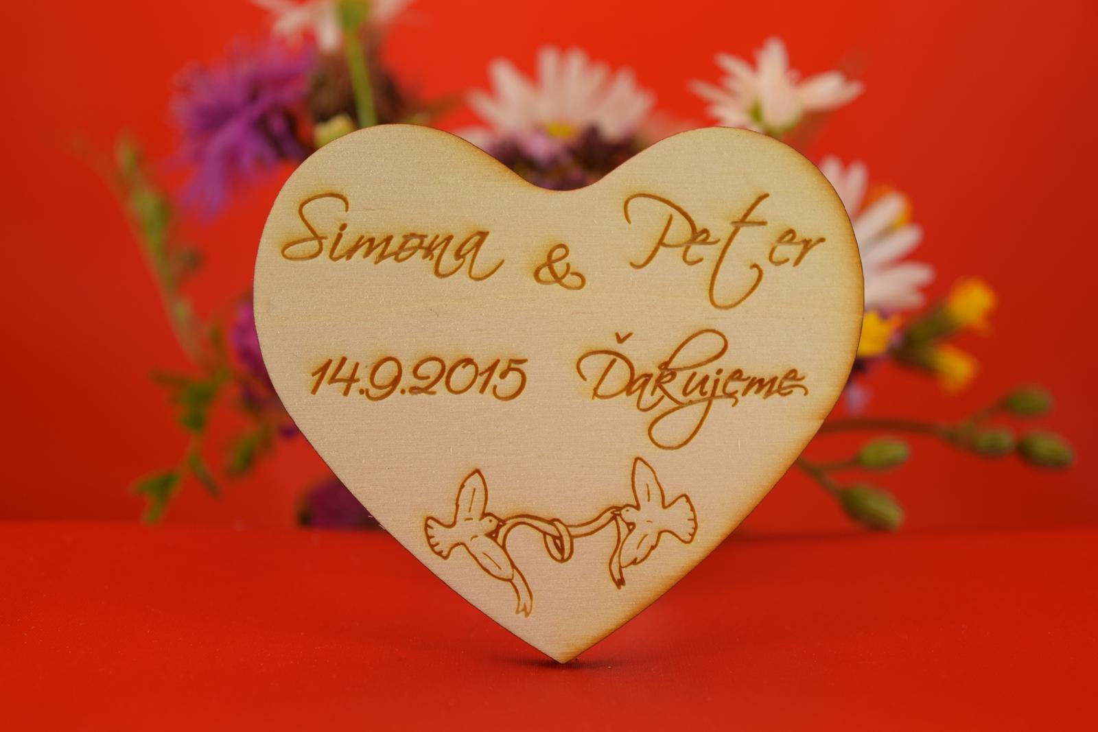 Drevená svadobná magnetka ako darček pre hosti 14 - Obrázok č. 1