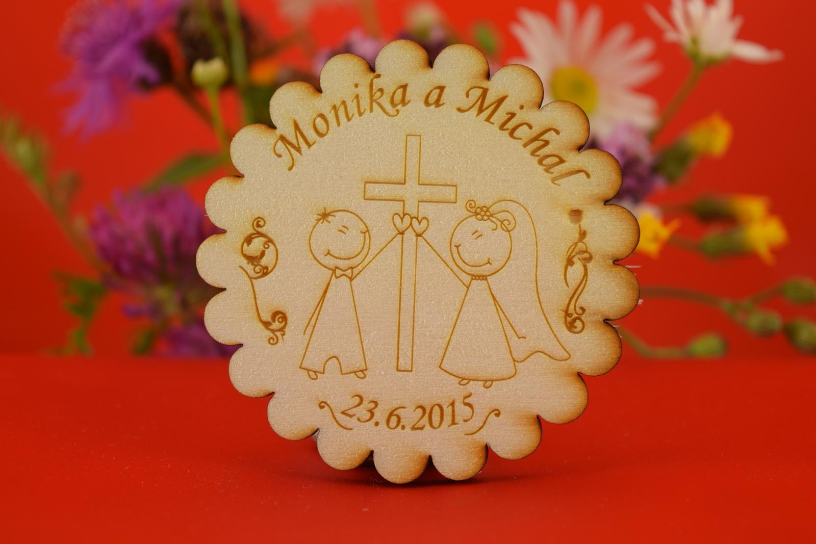 Drevená svadobná magnetka ako darček pre hosti 32 - Obrázok č. 1