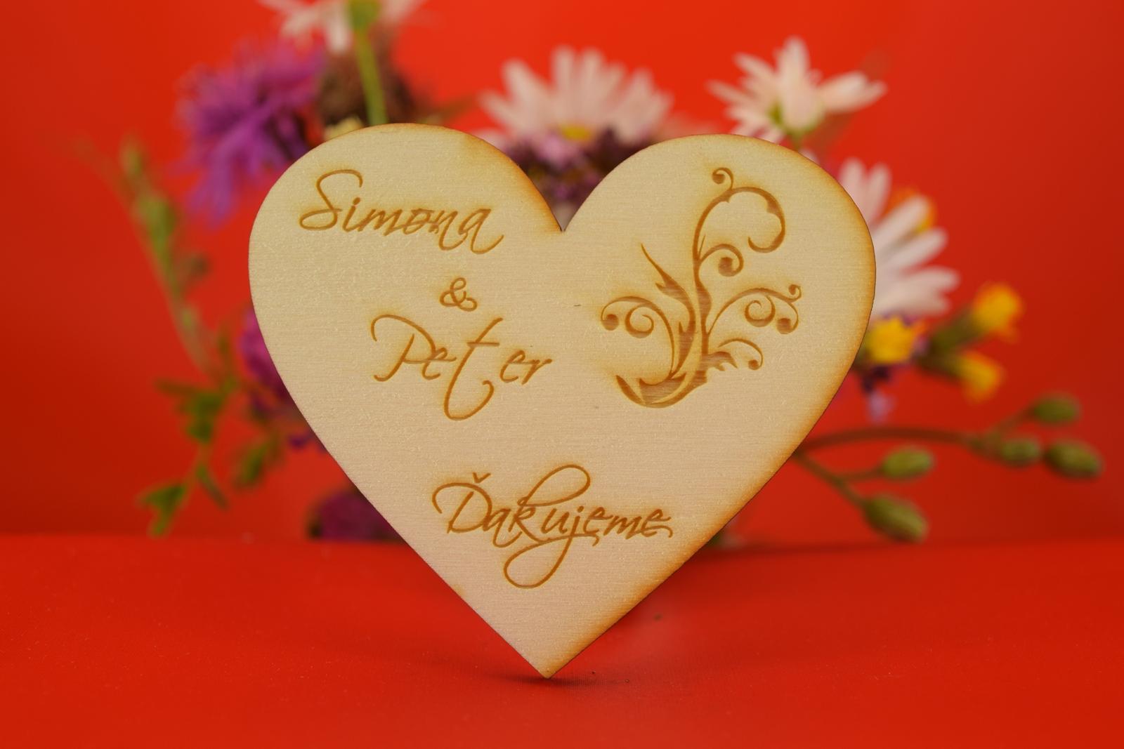 Drevená svadobná magnetka ako darček pre hosti 15 - Obrázok č. 1