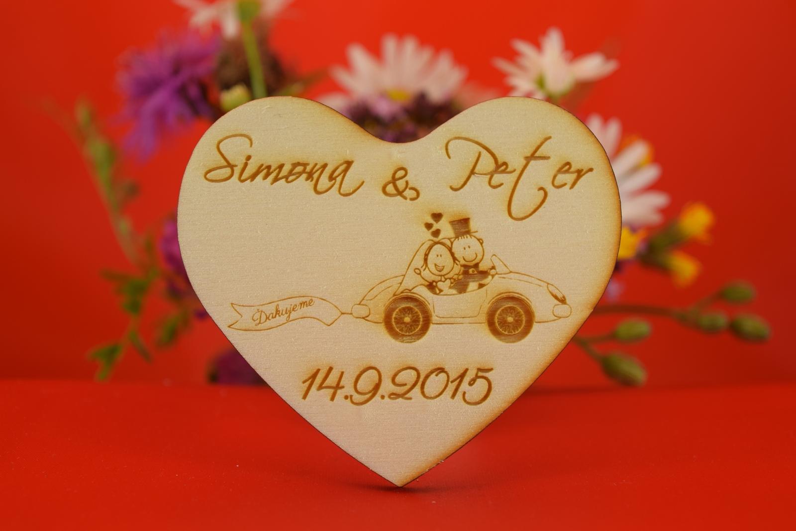 Drevená svadobná magnetka ako darček pre hosti 38 - Obrázok č. 1