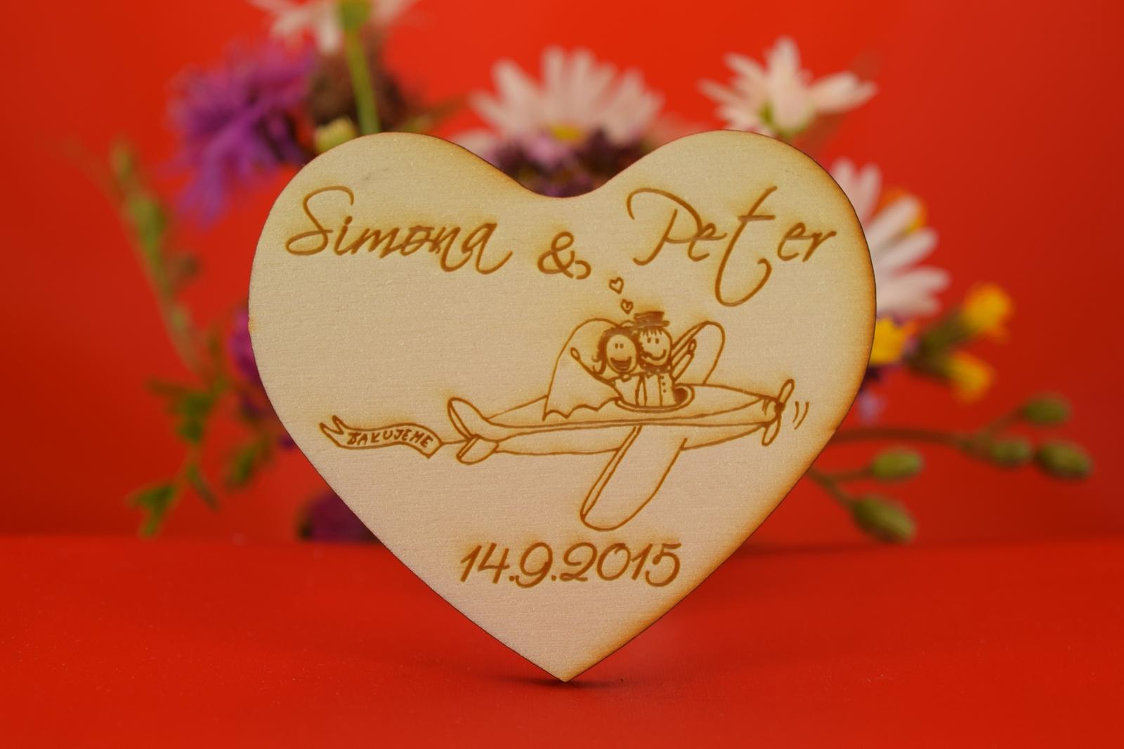 Drevená svadobný magnetka ako darček pre hosti 39 - Obrázok č. 1