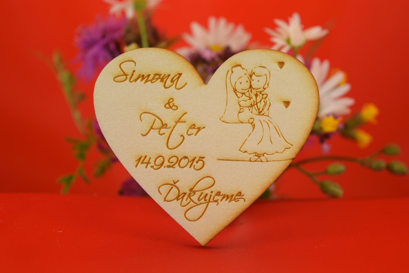 Drevená svadobný magnetka ako darček pre hosti 44 - Obrázok č. 1