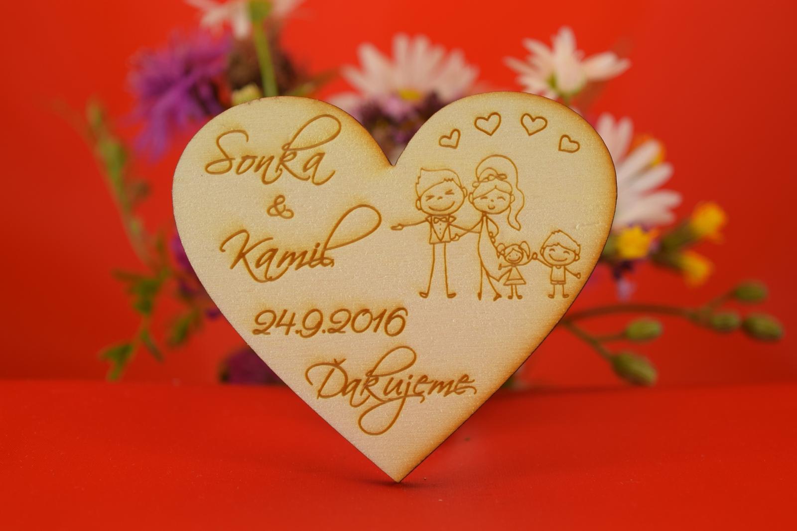Drevená svadobná magnetka ako darček pre hosti 41 - Obrázok č. 1