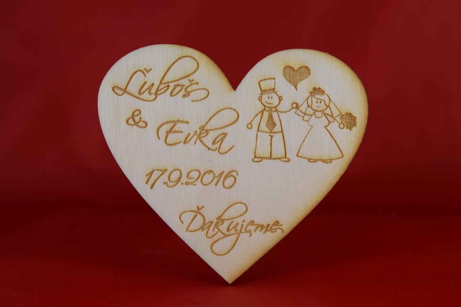 Drevená svadobná magnetka ako darček pre hosti 53 - Obrázok č. 1