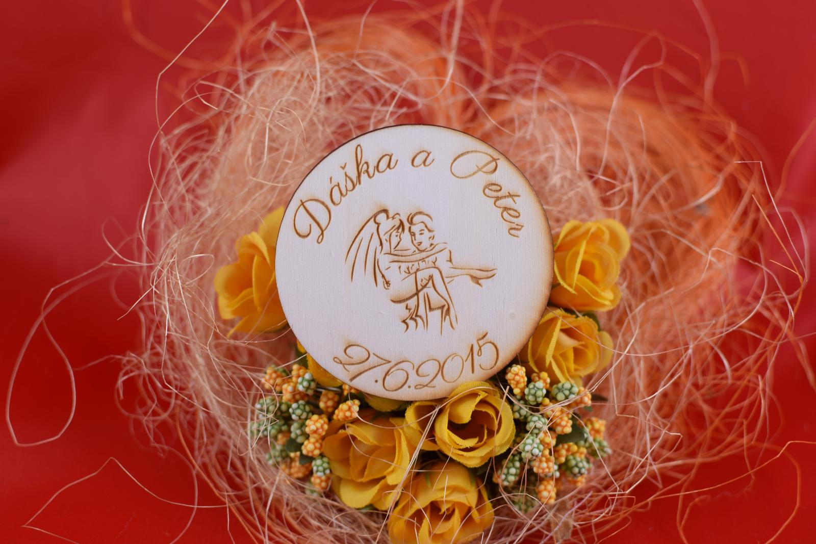 Drevená svadobná magnetka ako darček pre hosti 65 - Obrázok č. 1