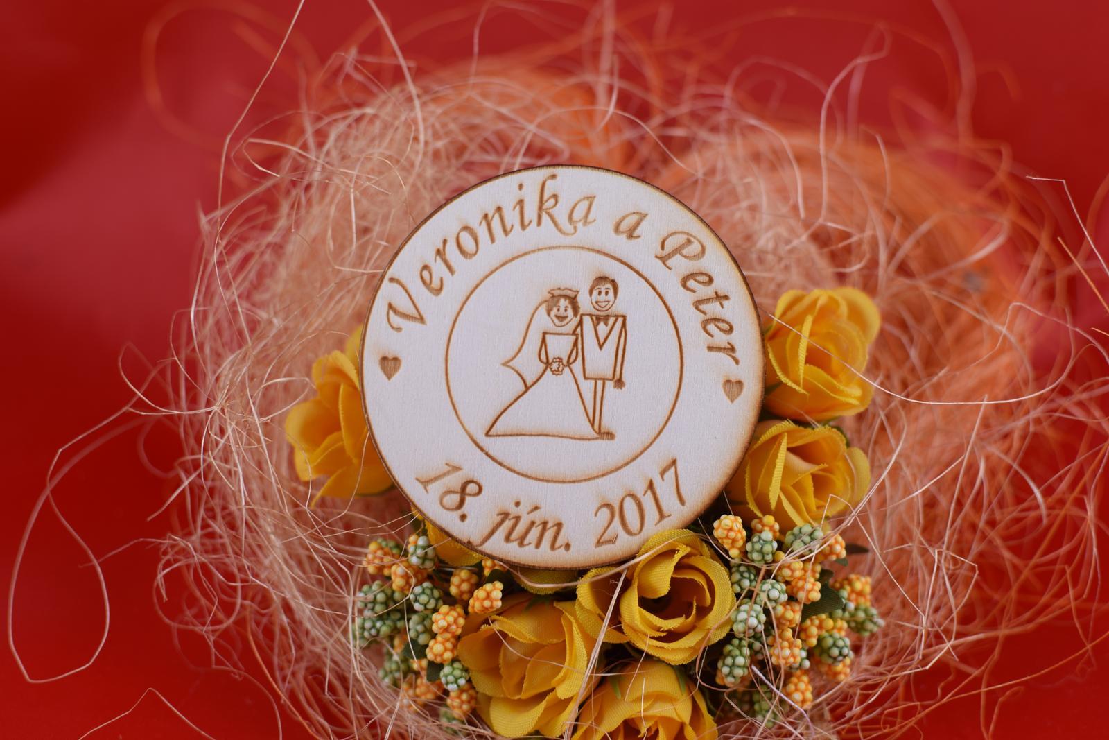 Drevená svadobná magnetka ako darček pre hosti 69 - Obrázok č. 1