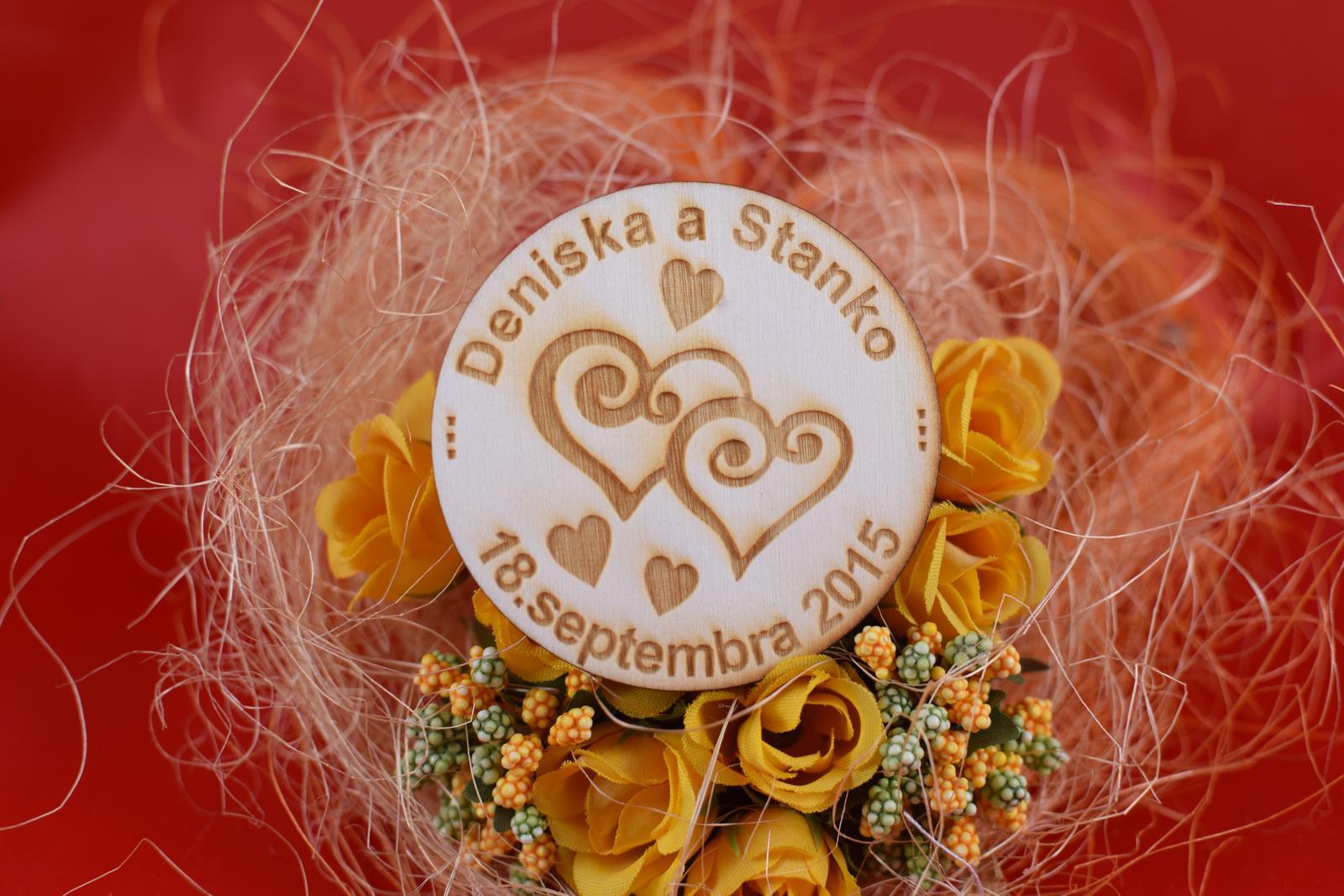 Drevená svadobná magnetka ako darček pre hosti 70 - Obrázok č. 1