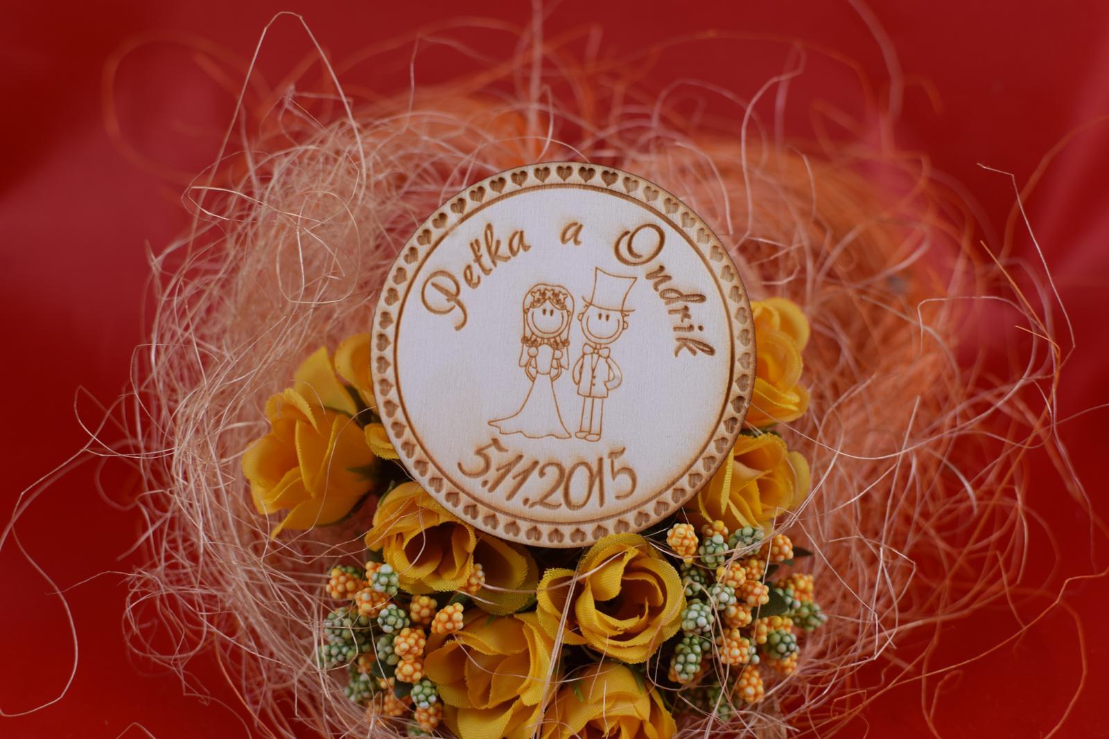 Drevená svadobná magnetka ako darček pre hosti 72 - Obrázok č. 1