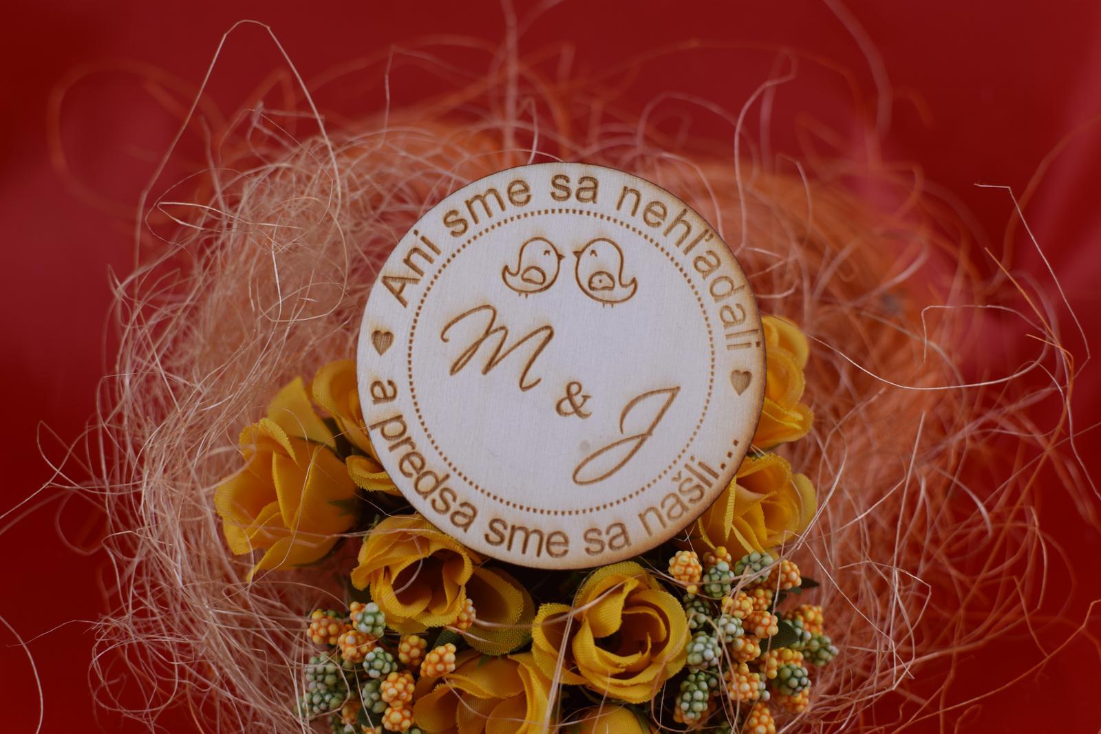 Drevená svadobná magnetka ako darček pre hosti 73 - Obrázok č. 1
