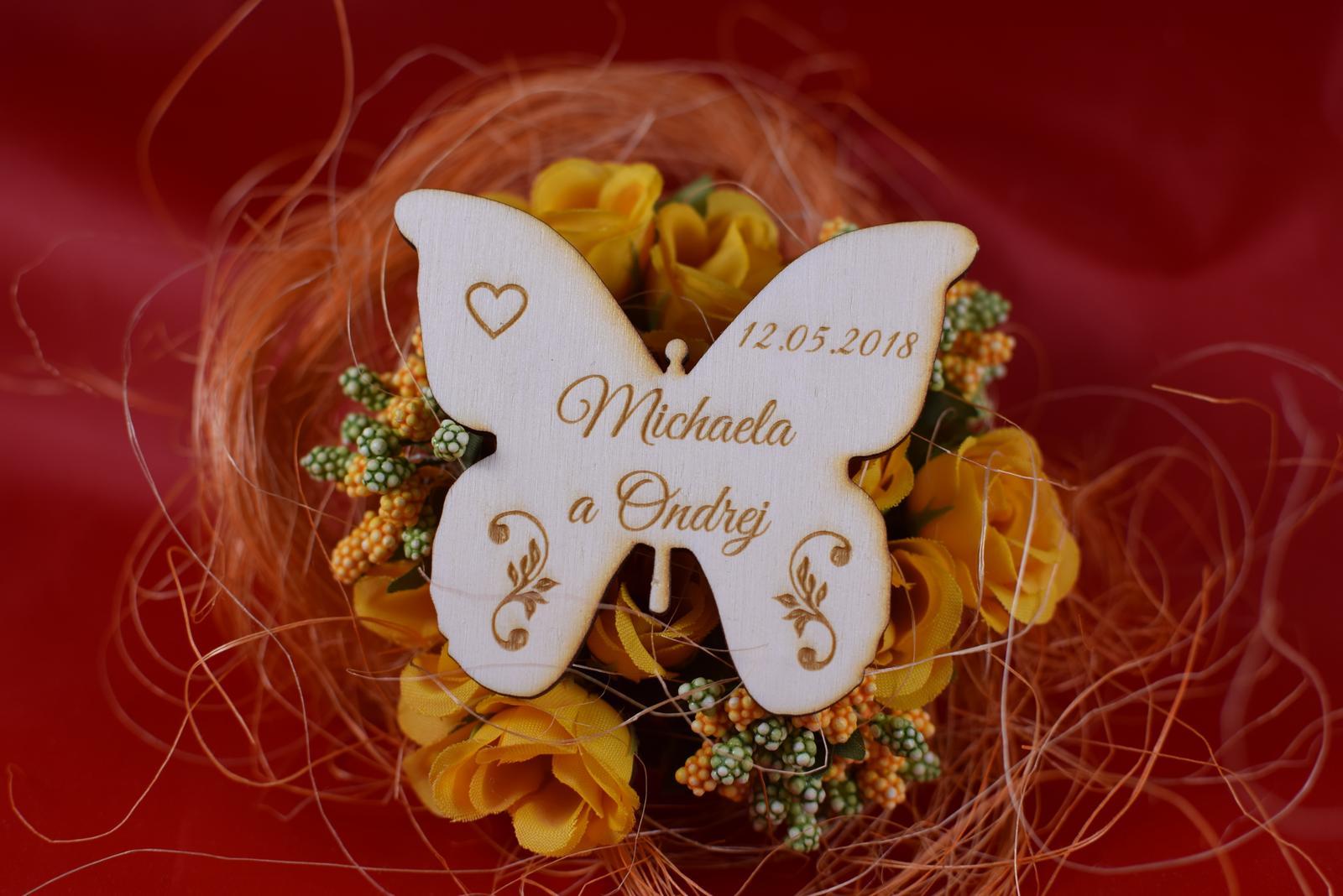 Drevená svadobná magnetka motýľ 1 - Obrázok č. 1