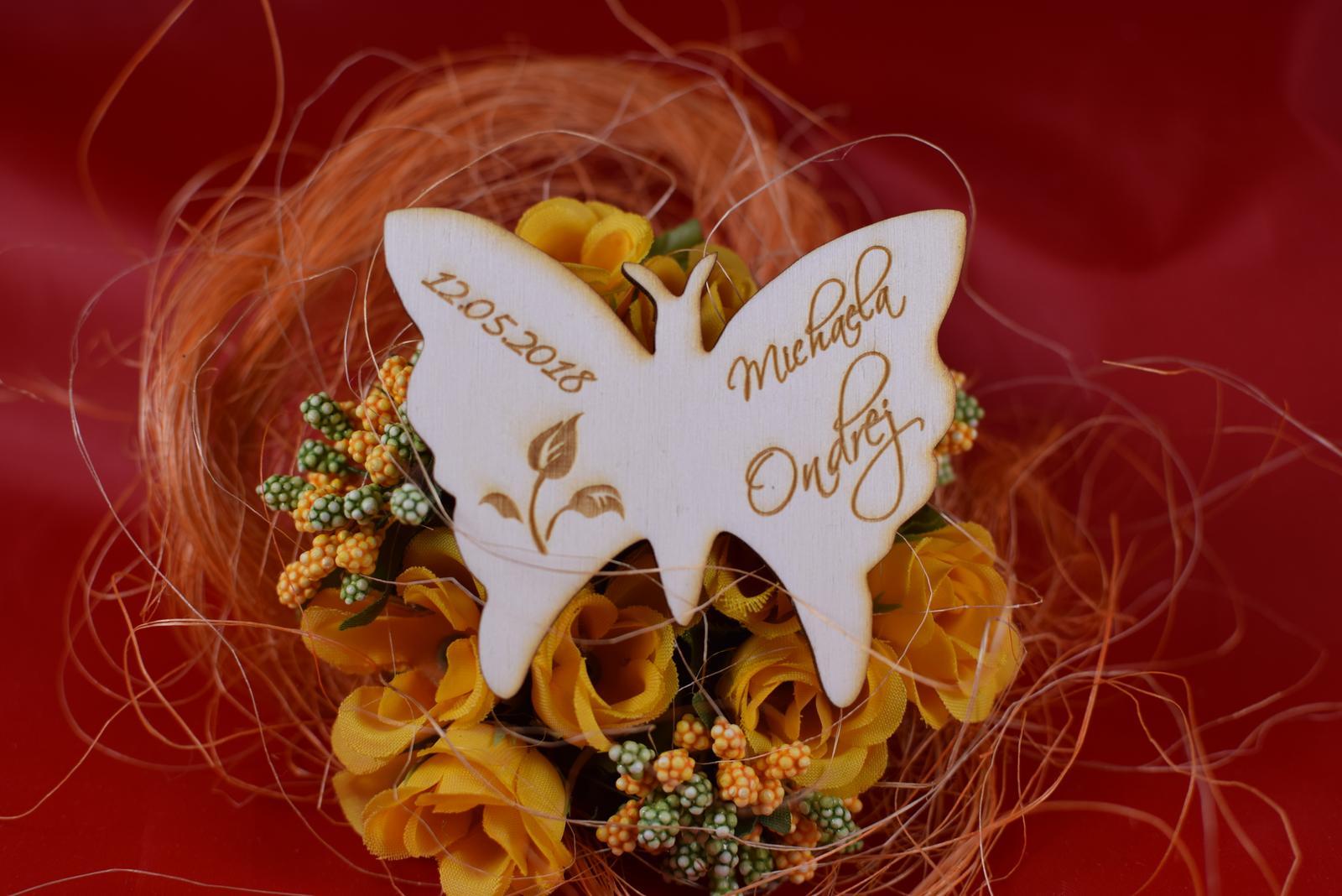 Drevená svadobná magnetka motýľ 3 - Obrázok č. 1