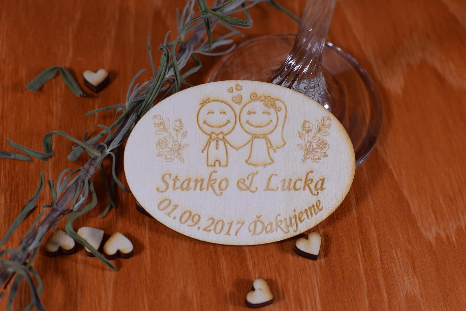 Gravírovaná drevená svadobná magnetka 108 - Obrázok č. 1