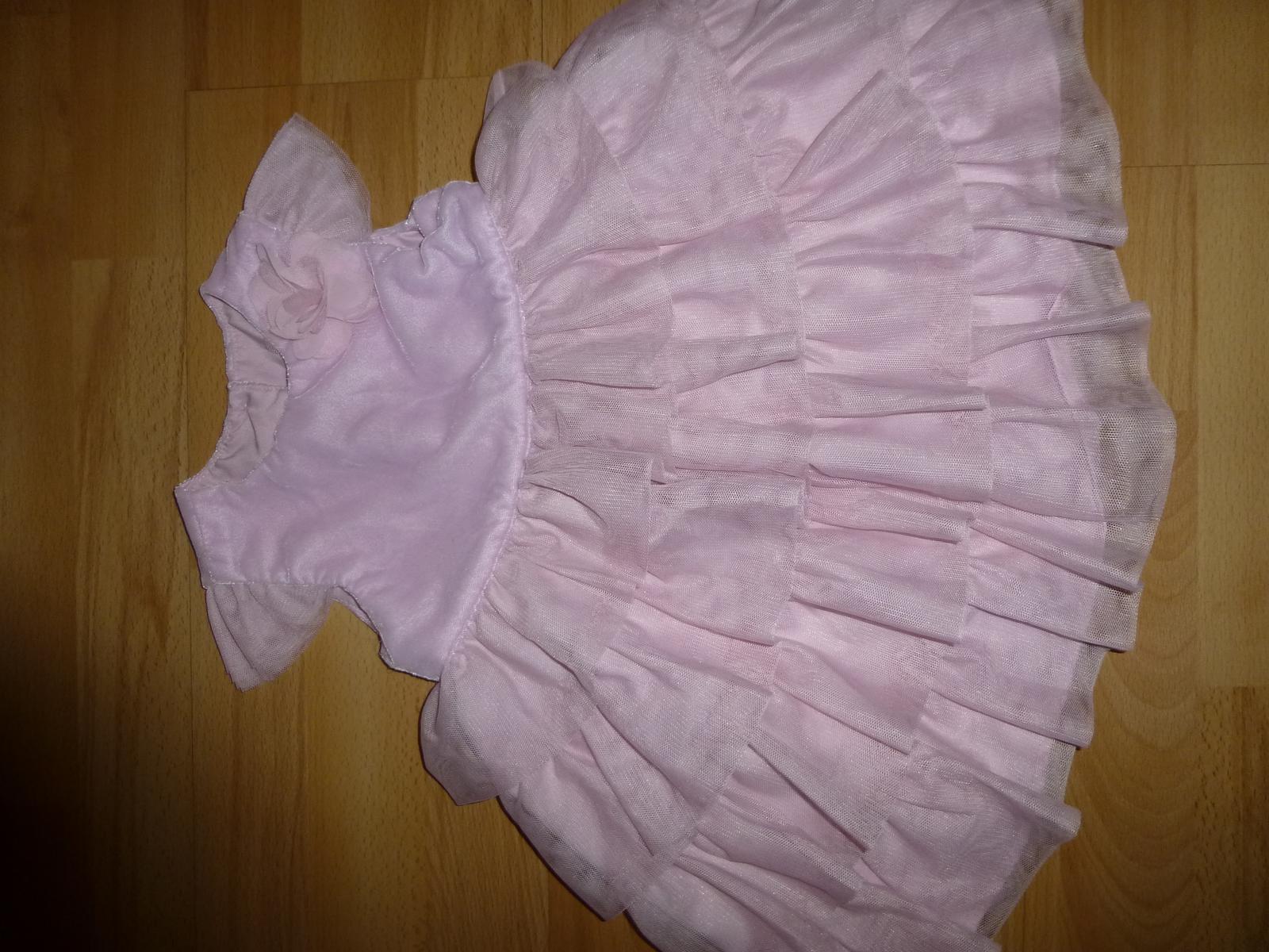 Růžové tylové šaty s volánky - Obrázek č. 1