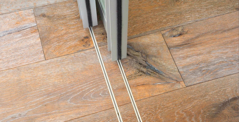 Posuvné dvere a ich využitie - Spodná koľajnica je zapustená v podlahe