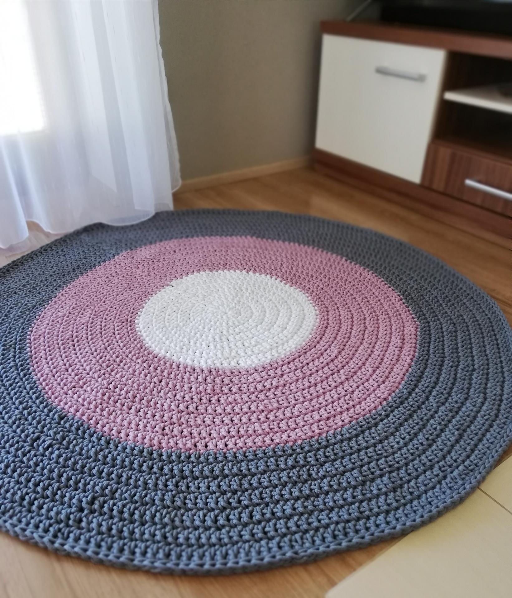 Doplňky - Dnes dokončený koberec na přání