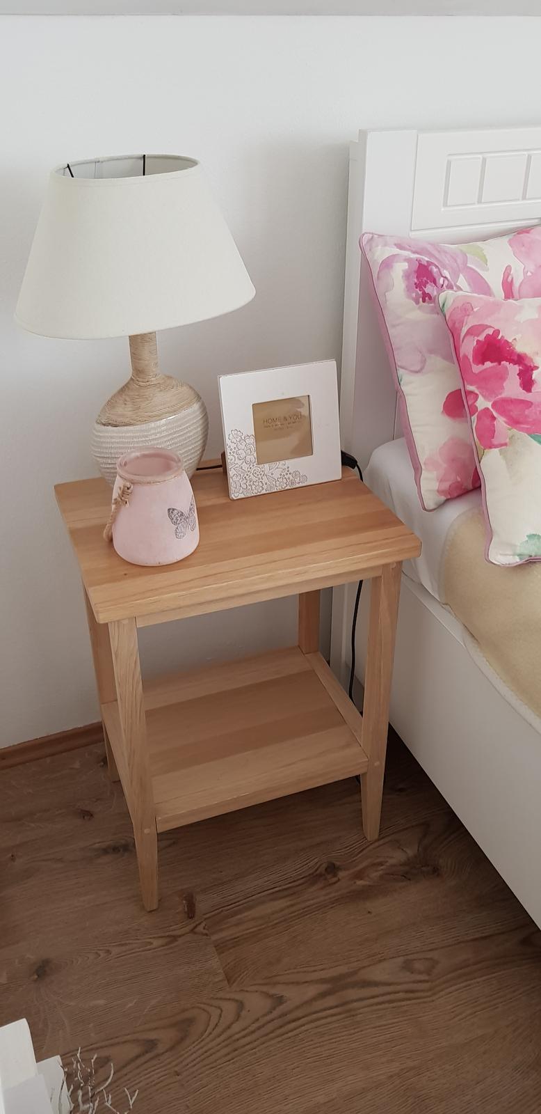 Dekorácie - inšpirácia :-) - Jednoduché dubové stolíky