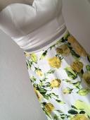 Spoločenské šaty kvetované, S
