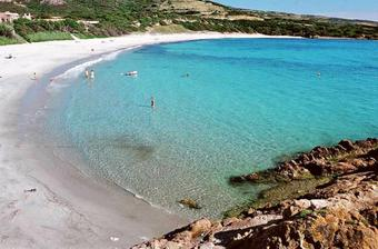 a Sardiniu by som brala ako svadobnu cestu...