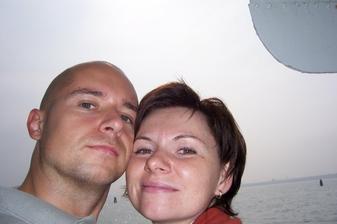 manžel se nerad fotí, tak aspoň takto, v pozadí benátský kanál