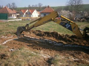 Už sa kopajú základy ... 22.03.2014