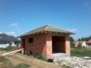 Náš najväčší stavebný omyl - garáž mimo domu nikdy viac, len s domom