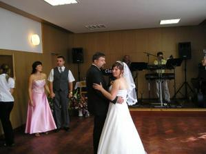 první společný tanec, na ten nikdy nezapomeneme :-)