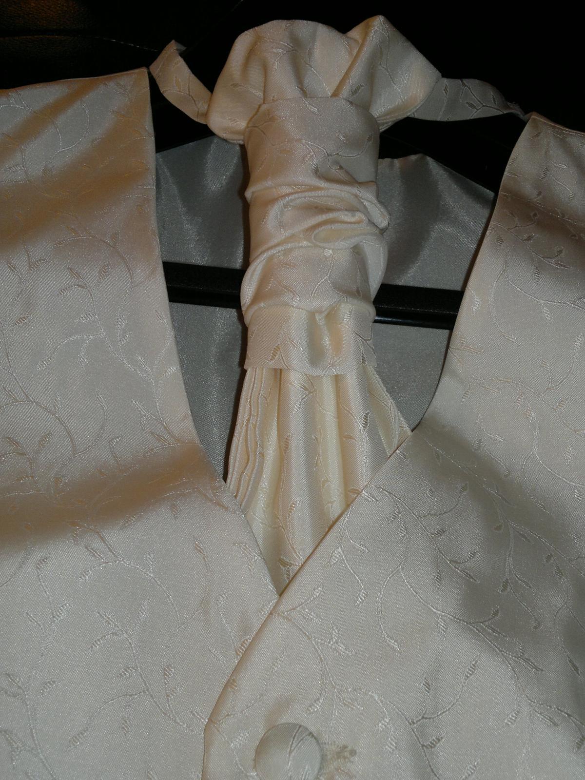 elegantní svatební vesta - Obrázek č. 1