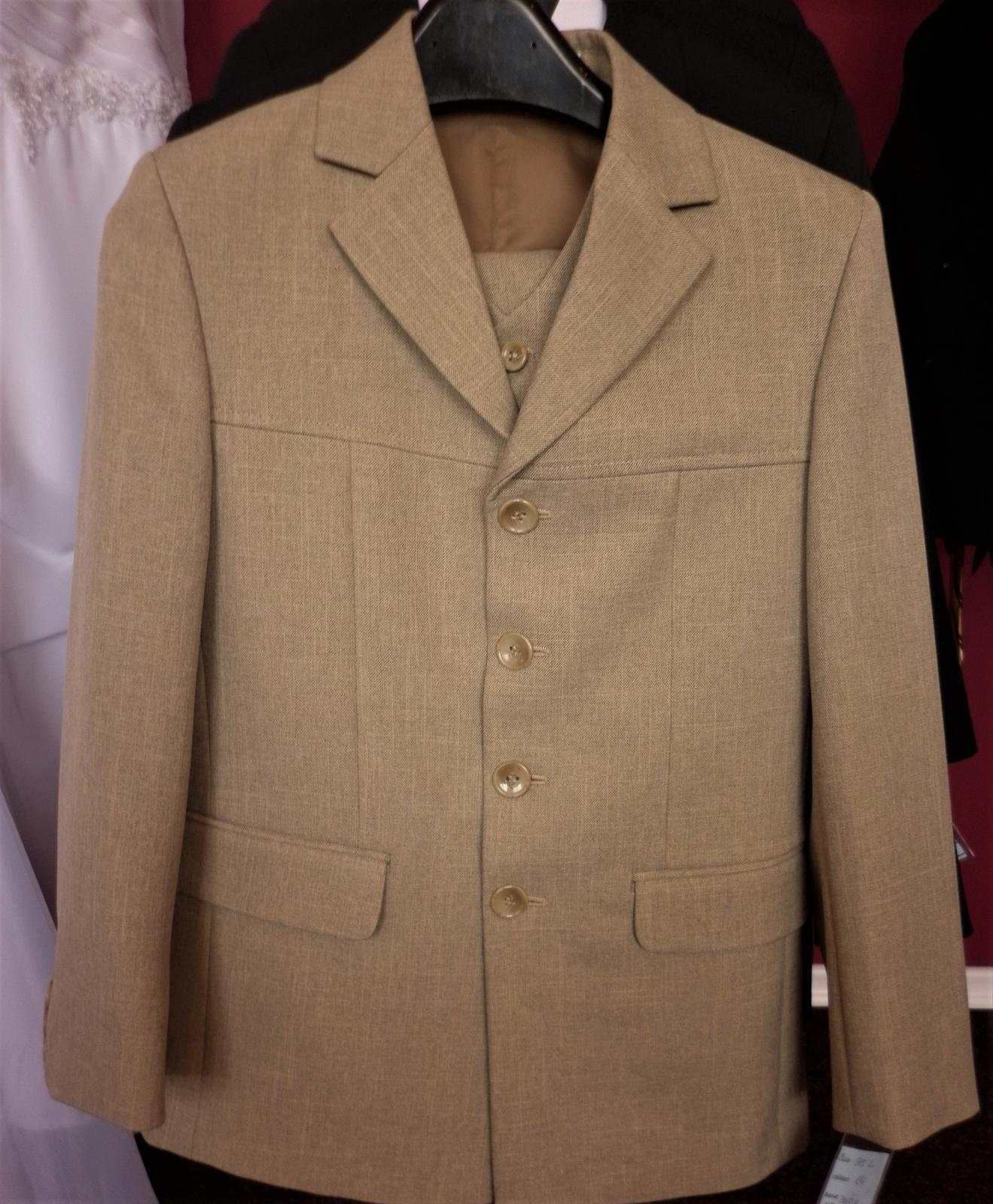Chlapecké smetanové obleky - Obrázek č. 1
