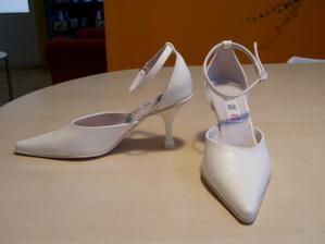 Stal se zázrak - sehnala jsem svatební boty vel. č. 34