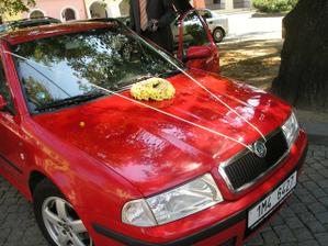 naše vyzdobené autíčko