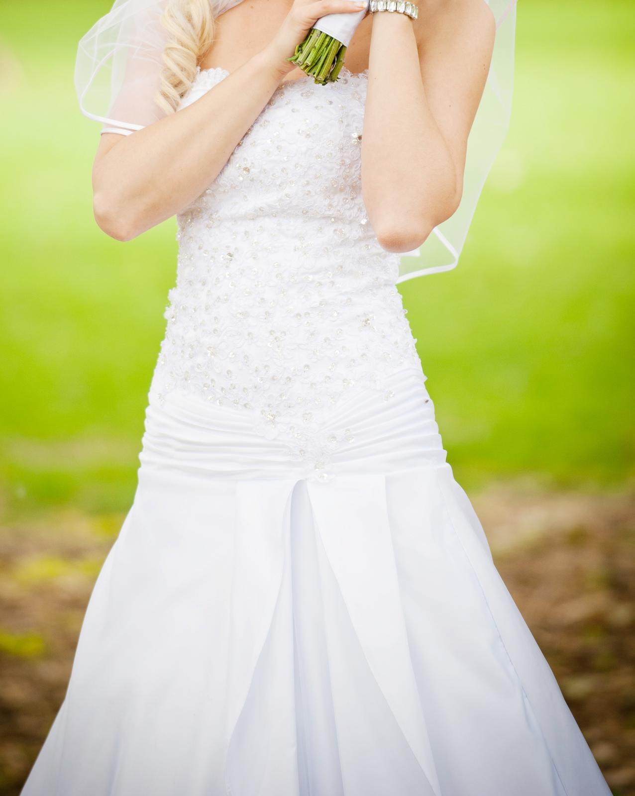 jedinečné svadobné šaty - Obrázok č. 3
