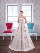 Celokrajkové svatební šaty, 38