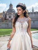 Extravagantní flitrované šaty , 34