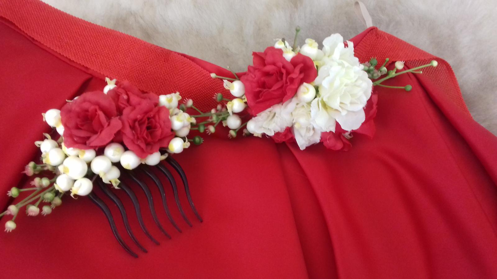 Červená sukňa s opaskom a hrebienkom - Obrázok č. 2