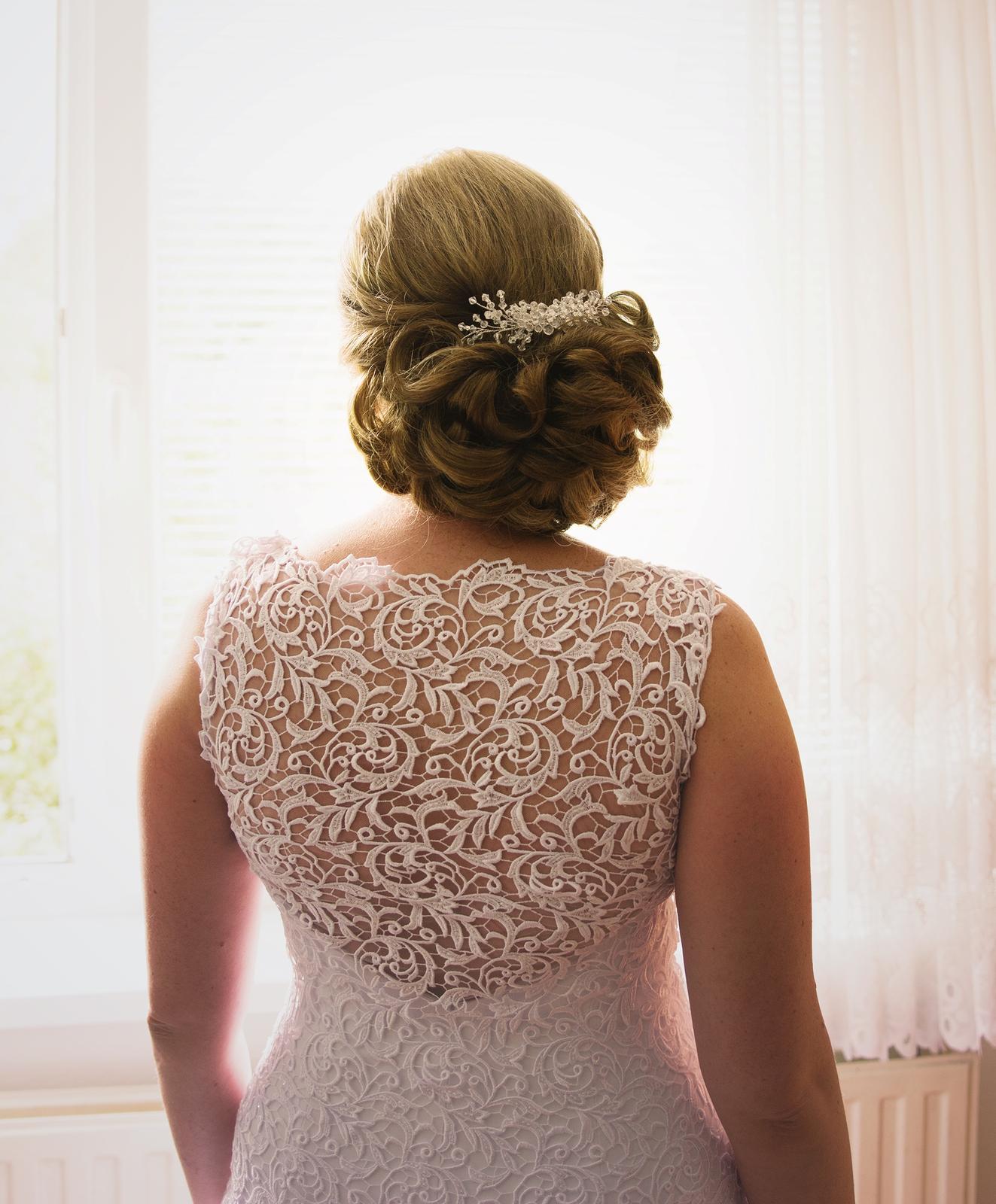 čipkované svadobné šaty 38 - Obrázok č. 2