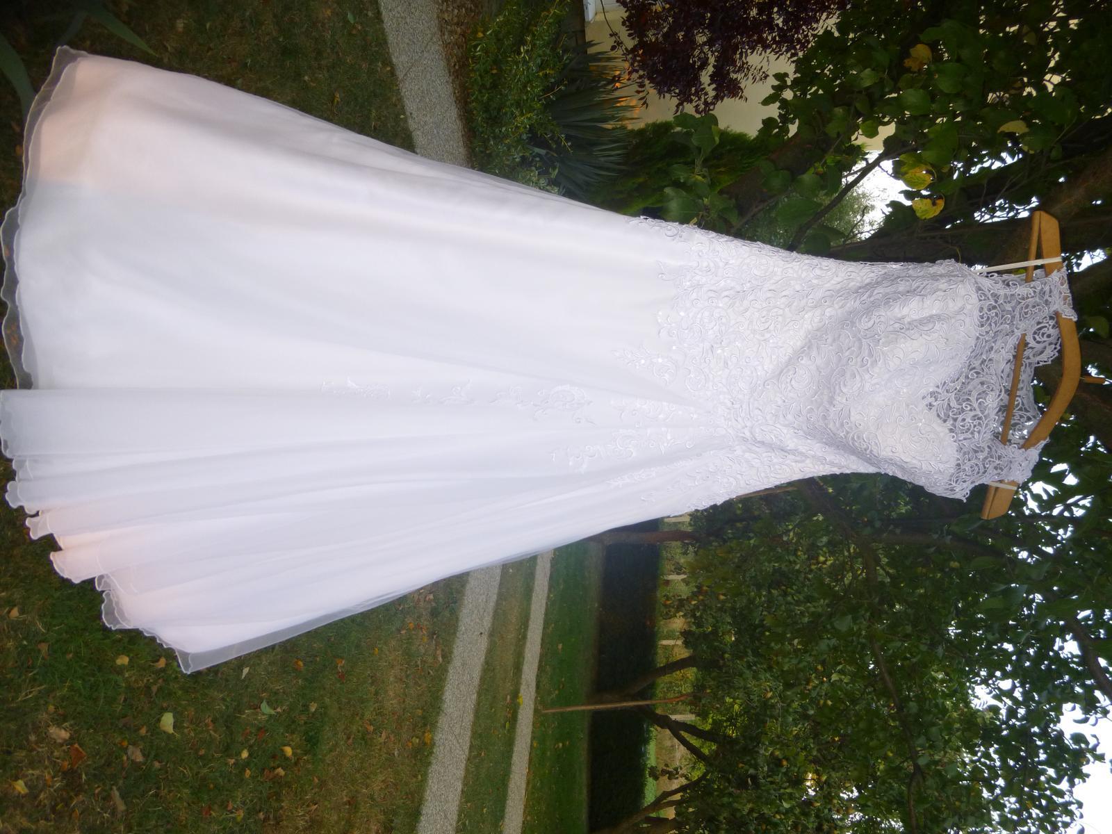 čipkované svadobné šaty 38 - Obrázok č. 1