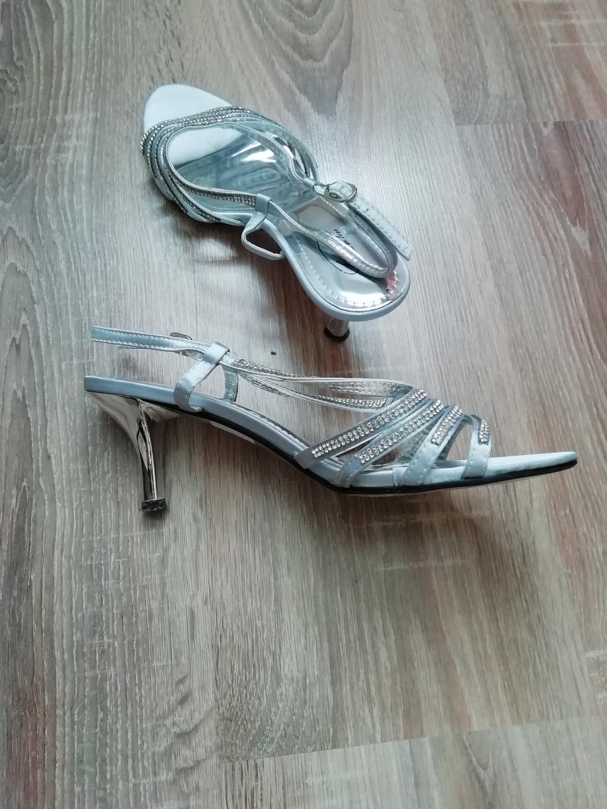 Spoločenské sandále - Obrázok č. 3