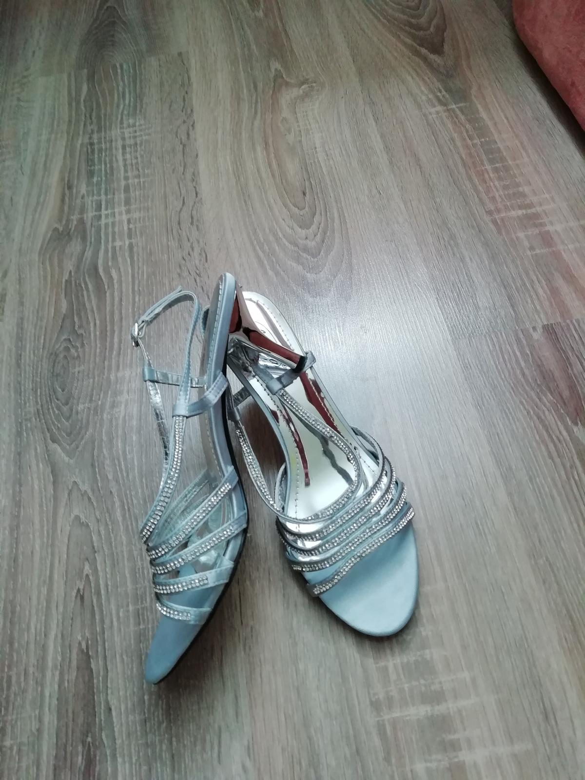 Spoločenské sandále - Obrázok č. 4