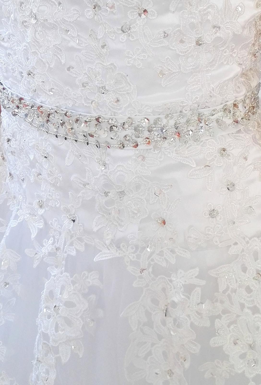 Bílé svatební šaty s krajkou 36/38/40 - Obrázek č. 2