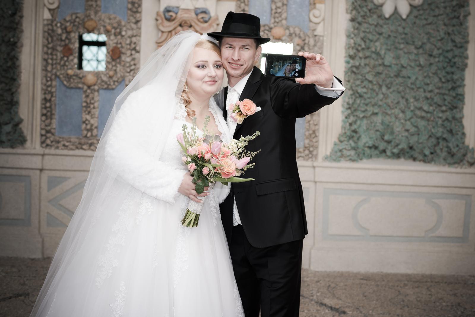 naša svadobná #selfie zachytená... - Obrázok č. 1