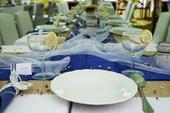 Svatební výzdoba v modro bílé barvě, styl VINTAGE,